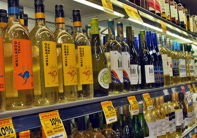 La bataille du vin en épicerie et dépanneur